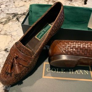 Cole Haan 7 1/2 AA woven tassel flats brown narrow